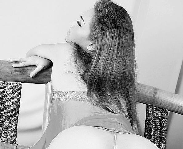 Sapphires ass